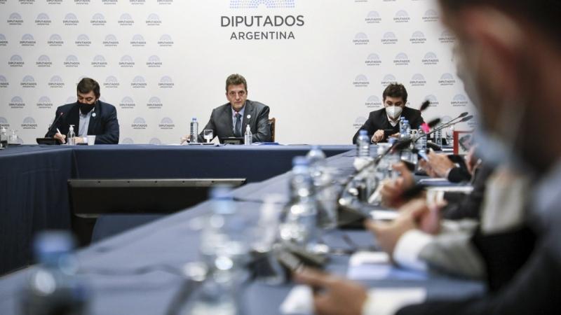 Representantes de los laboratorios darán detalles de los contratos ante el Congreso – Titulares de Política