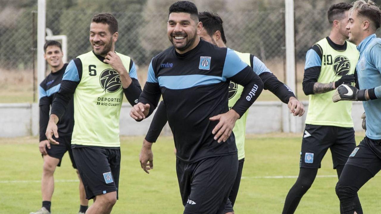 Ortigoza rescindió con Estudiantes de Río Cuarto e inició su regreso a San Lorenzo/Titulares de Deportes