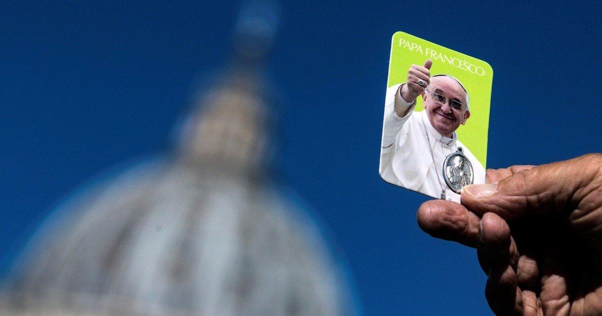 La operación del Papa fue extendida pero el Vaticano dijo que está en buenas condiciones– Titulares