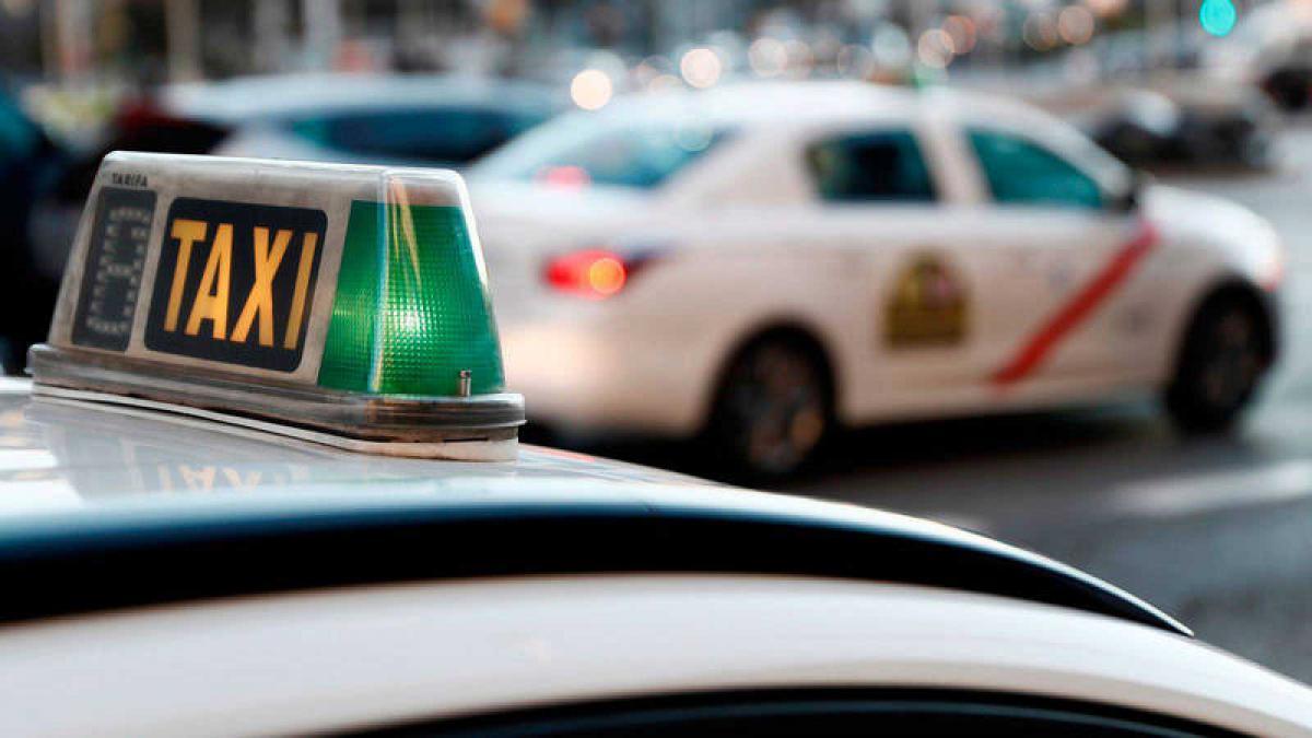 El importante ahorro del taxi eléctrico frente al de combustión: hasta 13.000 euros | Motor