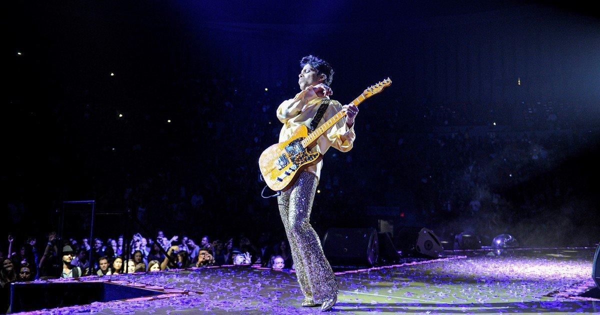 ¿Cómo es «Welcome 2 America», el álbum póstumo de Prince?/ Sociedad