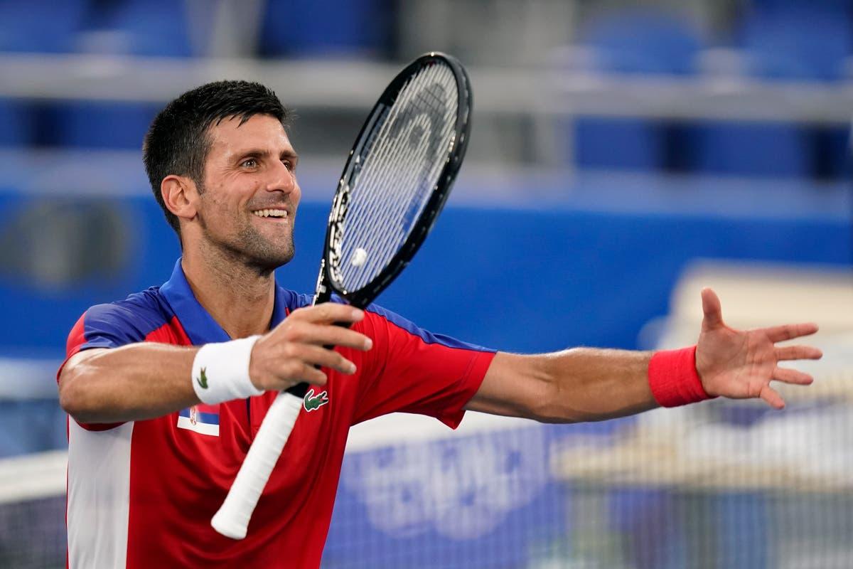 Novak Djokovic disfruta de la experiencia en la Villa Olímpica mientras compite por el oro en tennis