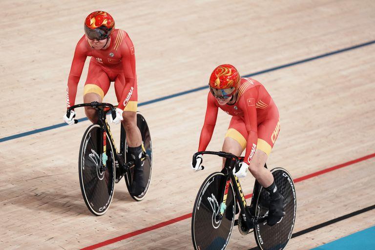 China repite título en velocidad por equipos en ciclismo / Titulares