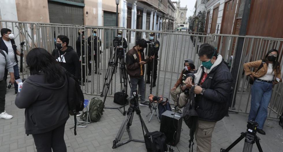 Pedro Castillo: Defensoría del Pueblo insta al Gobierno a cesar todo acto que limite trabajo de la prensa Guido Bellido … – Perú