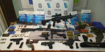 cuatro detenidos y un arsenal secuestrado /Titulares de Policiales