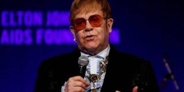 Elton John pospone gira tras lesionarse la cadera al final de las vacaciones – 16/09/2021 – Celebridades / Brasil