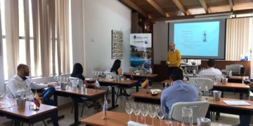Bodegas mendocinas intentan comercializar sus vinos en Ecuador/ Titulares de Mendoza