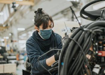 Fábrica de Virrey del Pino exporta componentes a grupos por primera vez en Brasil/ Titulares de La Matanza