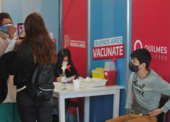 La Provincia comenzará a vacunar el jueves a jóvenes de 17 años sin enfermedades preexistentes /Titulares de Política