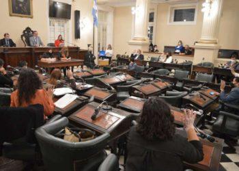 El Ayuntamiento aprobó la ampliación de aceras en el centro de la ciudad y la colocación de carteles contra la violencia de género – Corrientes Noticia/ Titulares de Corrientes