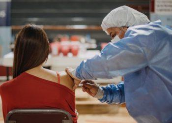 Permitirán nuevas rondas de vacunación contra Covid-19 para adolescentes en la Capital/ Titulares de Corrientes