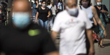 Schiaretti ordenó que en Córdoba se siga usando barbijo al aire libre