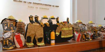 PAE aporta equipamiento para cuarteles de Bomberos/ Titulares de La atagonia