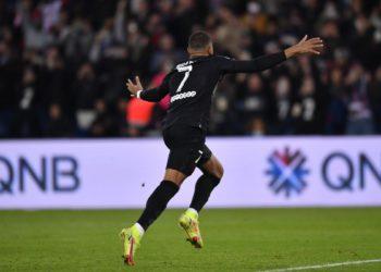 El PSG vence al Angers otra vez in extremis / Futbol de España