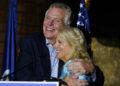 Jill Biden viaja a Virginia, Nueva Jersey para ayudar a los demócratas / Titulares de Noticias de China