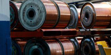 El cobre cerró con un alza del 5,86% en la Bolsa de Metales de Londres/Titulares de Noticias de Chile