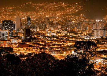 cuenta regresiva para la Cumbre de Inversiones de Colombia 2021/ Titulares de Economía