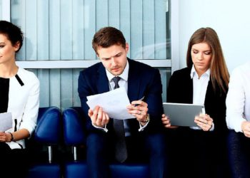 ¿Qué perfiles son los más buscados por los bancos?/ Titulares de Economía