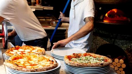 Por qué hay una inédita escasez de maestros pizzeros y de chefs – Titulares.ar
