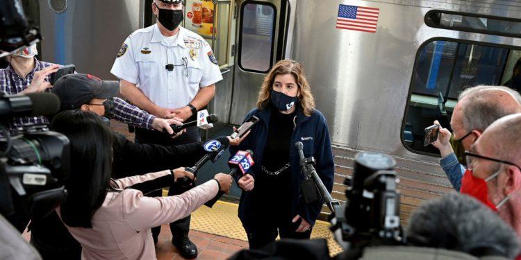 Filadelfia: Testigos apuntaron celulares hacia una violación