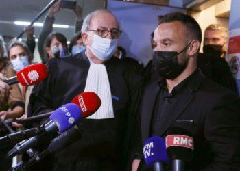 La Fiscalía pide 10 meses de cárcel exentos de cumplimiento para Benzema / Futbol de España