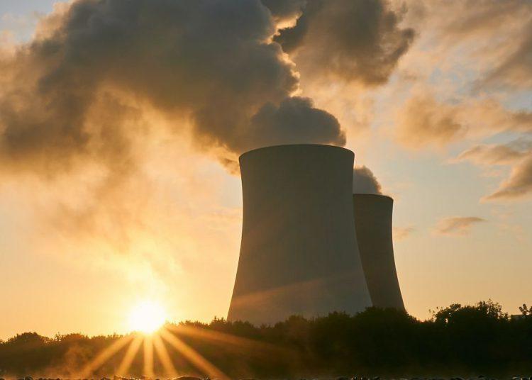 La mayoría de los países europeos apoyan la inclusión del gas y la energía nuclear en las inversiones verdes/ Titulares de Economía