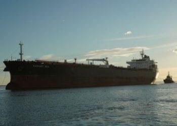 Vista y Trafigura midieron y verificaron las emisiones de carbono de una exportación de petróleo crudo de Vaca Muerta/ Titulares de Economía