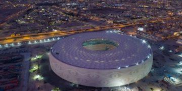 Xavi y James inauguran el espectacular quinto estadio de Qatar / Futbol de España