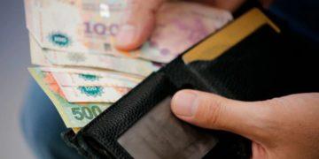 ¿Cuándo comienza el pago de salarios a los funcionarios públicos?/ Titulares de Corrientes