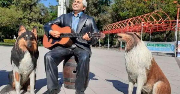 Polémica por una inusual estatua de Alberto Fernández y sus perros: ¿dónde está?
