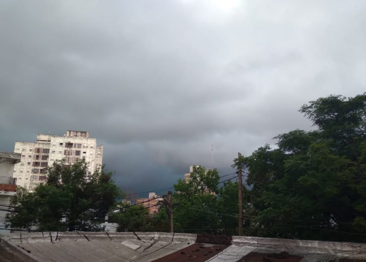 Alerta amarilla por tormentas en toda la provincia/ Titulares de Corrientes