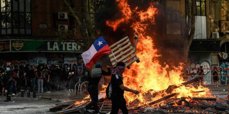 En un clima convulso, se enciende la campaña para las elecciones presidenciales en Chile– Titulares