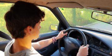 Aprender a conducir en un lugar seguro, ¿es posible?/ Titulares de Autos