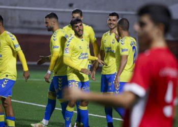 Las Palmas disputa un amistoso en Firgas cargado de goles / Futbol de España