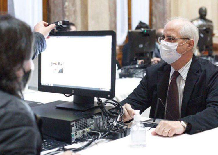 Filtración de datos del Renaper: cuáles son los riesgos por la exposición de la información de los DNI – Titulares