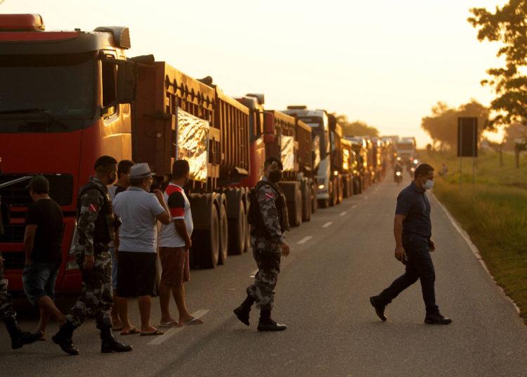 Camioneros protestan en una carretera en Pará por reducción de ICMS en diésel – 26/10/2021 – Mercado / Brasil
